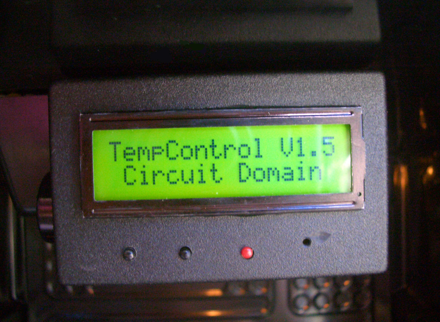 Circuit Domain Projects Microcontroller Programmer Get Pictures I Decided To Base This Project On Pic16f88 As It Is Common Cheap Has Enough O Lines For The Design And An Inbuilt A D Converter